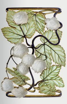 René Lalique, Glass Necklace, Hop tendril, 1898-1900. Gold, corroded glass. Paris. Via Museum of Applied Arts, Budapest.