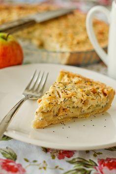 apple pie with poppy seeds by Mari Liis, via Flickr