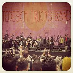 Tenho a impressão que o Tedeschi Trucks Band será o melhor show do dia. Sorry Lynyrd... /// Eu tinha razão