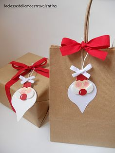 Cute Christmas bag...gonna have to try this with the new Stampin' Up! Holiday Ornaments framelits