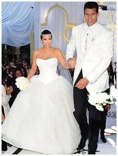 Retrô , Casamento de famosos 2011. Kim Kardashian e Kris Humphries