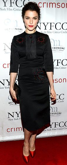 Rachel Weisz: 2012 New York Film Critics Circle Awards. The actress, who was given a Best Actress trophy by the group for her role in the drama The Deep Blue Sea, also won on the red carpet: she donned a sophisticated black satin Prada dress for the Jan. 7 event. Read more: http://www.usmagazine.com/red-carpet/rachel-weisz-2012-new-york-film-critics-circle-awards-201381#ixzz2HPmBEDb9