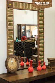 Moldura de espelho, relógio e aparador de madeira de demolição - http://moveisdobem.com