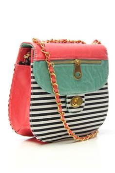 This cross body has a great color and pattern combo. Love it!