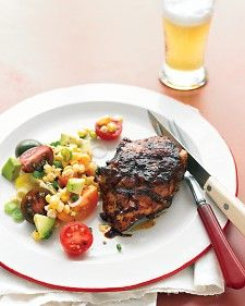 BBQ Chicken- A blend of spices that includes paprika and chili powder is a great base for a quick chicken rub. food-on-the-grill Barbecue Recipes, Grilling Recipes, Cooking Recipes, Healthy Recipes, Barbecue Sauce, Simple Recipes, Amazing Recipes, Yummy Recipes, Bbq Sauces