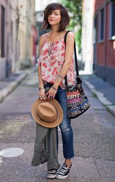 Cute casual outfit. Great to wear to travel to a casual place.
