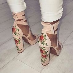 Lovely Shoe For This Summer Outfit. The Best of high heels in - Fashion Women Shoes Store - Fashion Women Shoes Store Women's Shoes, Me Too Shoes, Shoe Boots, Fall Shoes, Shoes Sneakers, Spring Shoes, Winter Shoes, Louboutin Shoes, Summer Shoes
