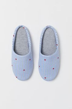 Flower Overlapping Simple Pattern White Quick-Drying Non-Slip Slippers
