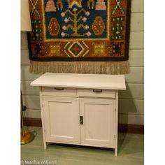 Pieni talonpoikaissenkki 1900-luvun alusta. Kunnostettu. Bathroom Vanity, Vanity, Single Vanity, Bathroom