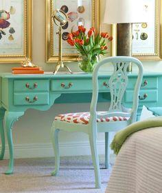 Confira a cor aquamarinho e a paleta de cores que permeia o verde e o azul. Essa cor-tendência que veio para ficar na decoração de casas e festas.