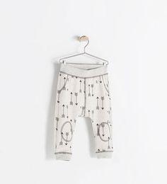 Image 1 of ARROW-PRINT LEGGINGS from Zara
