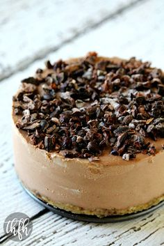 Raw Vegan Chocolate Banana No-Bake Cheesecake...a healthy Vitamix recipe that's raw, vegan, gluten-free, dairy-free, soy-free, egg-free, paleo, no refined sugar