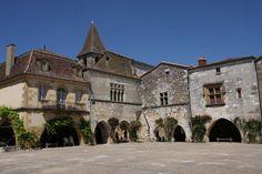 Monpazier - Place des Cornières