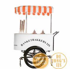 Onze kleine hand ijskar, geschikt voor 60 liter ijs en zonder fiets bijzonder makkelijk in gebruik.
