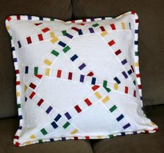 I like the striped fabric against solid in this slice-and-dice by Melissa at Happy Quilting. Quilting Projects, Quilting Designs, Sewing Projects, Patchwork Cushion, Quilted Pillow, Hexagon Patchwork, Cushion Covers, Pillow Covers, Cushion Pillow