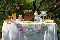 Pretty table for Easter egg hunt...i always want to have a big easter egg hunt