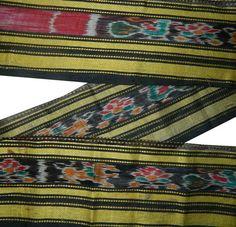 FREE SHIPPING 1 Yards Vintage Ikat Border Lace by indiacraftshop, $8.99