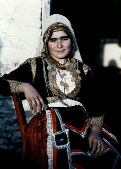 A woman poses in the national costume of Crete Images by Maynard Owen Williams / Wilhelm Tobien Source: National Geographic Stock Greek Traditional Dress, Traditional Outfits, Traditional Fashion, National Geographic, Greek Dress, Celtic, Creta, Girl Standing, Female Poses