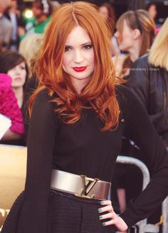 Karen Gillan - hair made of awesome  That colour <3  Next color I go for? Maybe....