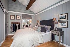 Master bedroom - mountain cabin