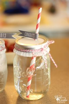 Quick, easy and cute graduation party ideas.