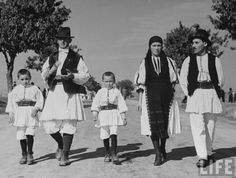 The romanian peasant and agriculture Folk Costume, Costumes, Social Organization, The Vanishing, City People, Early Christian, Romania, Christianity, Traditional