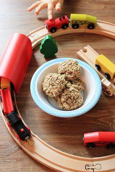 Dietetyczne ciastka owsiane z jabłkiem i cynamonem | Tysia Gotuje blog kulinarny Breakfast, Blog, Recipes For Children, Blogging, Morning Breakfast