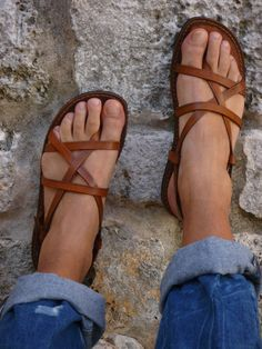 This site is FULL of super cute sandals! Only problem...I hope you know how to read Spanish
