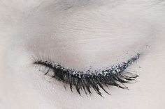 Liner made with glitter//