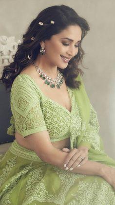 Bollywood Lehenga, Lengha Choli, Net Lehenga, Bollywood Stars, Bollywood Fashion, Heavy Lehenga, Anarkali, Sarees, Beautiful Bollywood Actress