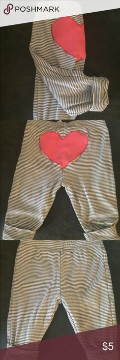 Carter's grey stripped Sweat Pants with a Heart Adorable grey stripped Carter's Sweat Pants with a Heart on the booty! Perfect condition. Carter's Bottoms Sweatpants & Joggers