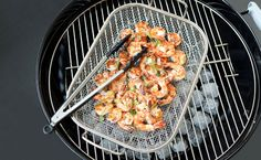 Spice up your next backyard barbecue or family get-together with this delicious crowd pleaser. Epicure Recipes, Seafood Recipes, Cooking Recipes, Healthy Recipes, Asian Shrimp, Looks Yummy, Fish Dishes, Fish And Seafood, Tatt