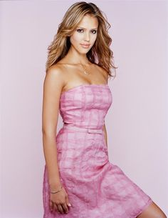 Jessica Alba - Full Size - Page 39 Jessica Alba Hot, Jessica Alba Style, Most Beautiful Women, Beautiful People, Meagan Good, Actress Jessica, Hollywood Celebrities, Strapless Dress Formal, Celebs