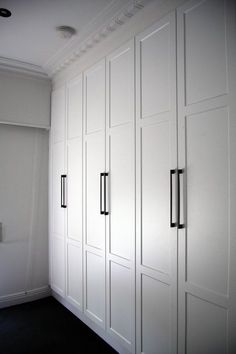 Best white bedroom wardrobe built ins Ideas Bedroom Built In Wardrobe, White Wardrobe, Closet Bedroom, Bedroom Storage, Bedroom Decor, Design Bedroom, Bedroom Ideas, White Closet, Modern Wardrobe