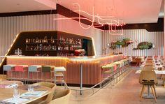 v_hotel: Красочный отель в Швейцарии