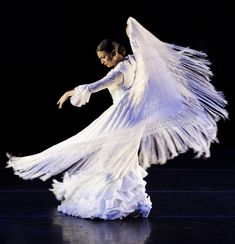 City Dance, Dance Like This, Dance Magazine, Spanish Dancer, Padre Celestial, Human Art, True Art, Music Photo, Dance Art
