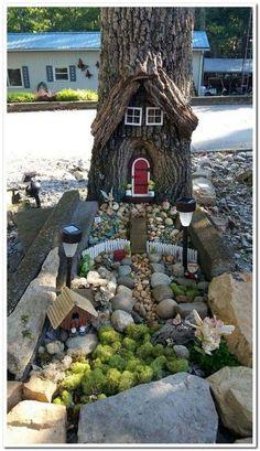 47 Erstaunliche Miniatur-Garten-Design-Ideen - Ideaboz - Diy Best Picture For DIY Fairy Garden how t Fairy Tree Houses, Fairy Garden Houses, Gnome Garden, Garden Kids, Garden Deco, Fairy Village, Fairies Garden, Diy Jardin, Mini Fairy Garden