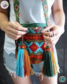 Most of the most popular bags do not meet a certain aesthetics this season. Tapestry Bag, Tapestry Crochet, Knit Crochet, Palestinian Embroidery, Woven Wrap, Crochet Animal Patterns, Knitted Bags, Knitting Designs, Crochet Projects