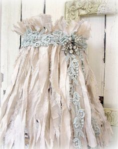 ❥ pink fabric strips, lace and jewels