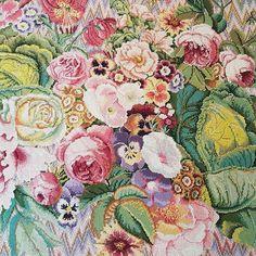 Kaffe Fassett exhibition at Standen.  Gorgeous colours, embroideries & quilts on display #kaffefassett #standen ☘ xx