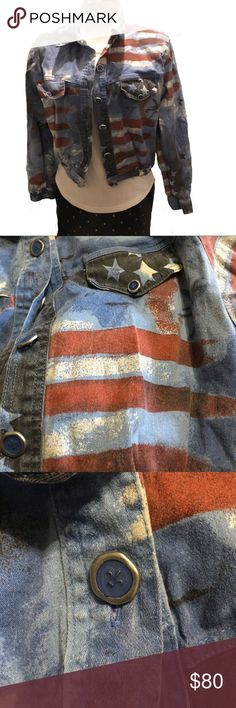 🇺🇸Vintage lightweight denim jacket size m🇺🇸 Guc. Stars, stripes and glitter! What more could a girl need? Vintage cropped jacket complete with shoulder pads! Super cute fluer de lis buttons! Approximate measurements laying flat: bust 20, length 18, sleeve length 21.5.  ⁉️Please feel free to ask any questions⁉️ 🆗Offers are welcome🆗 🙌🏼Bundle for a private offer🙌🏼 🚫 No trades 🚫 ❌No holds ❌ Vintage Jackets & Coats