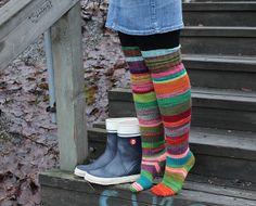 Ravelry: knittintin's Heidin jämät, minun sukat.