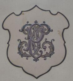 intaglio paris #crest #monogram