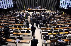 Brasília- DF, Brasil- Parlamentares pretendem votar na semana que vem proposta que atrela salário deles ao do presidente e dos ministros do Supremo. Foto:Gabriela Korossy / Câmara dos Deputados ***DIREITOS RESERVADOS. NÃO PUBLICAR SEM AUTORIZAÇÃO DO DETENTOR DOS DIREITOS AUTORAIS E DE IMAGEM***