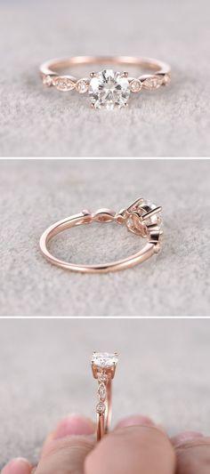 bb4b90625000 impresionante Moissanite en anillo de compromiso de oro rosa  www.pinterest.com .. Anillos De Diamantes Solitario