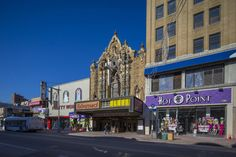 Across the New York Area, Restoring 'Wonder Theater' Movie Palaces to Glory - The New York Times