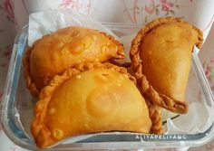 Kulit pastel gurih dan renyah Donut Recipes, Cake Recipes, Snack Recipes, Dessert Recipes, Cooking Recipes, Indonesian Desserts, Asian Desserts, Indonesian Food, Asian Cake