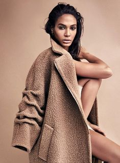 Top model Joan Smalls is styled in blushing 'Shades Of Beige' by Kerstin Schneider. Photographer Marcus Ohlsson captures the soft, sensual elegance for Harper's Bazaar Germany November Hair by Rolando Beauchamp; makeup by Patrick Ta Fashion Poses, Fashion Shoot, Look Fashion, Editorial Fashion, Trendy Fashion, Fashion Trends, Fashion Editorial Photography, Magazine Editorial, Fashion Outfits