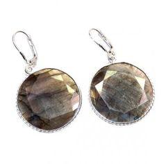 #jewelry #jewel #cosmocrafter #bijoux #indianjewelry #bijouxindiens #women #india #handmadejewelry #accessories #fashion #madeinIndia #followus #jaipur #hippiestyle #silver #argent #jewelrygram #faitmain #jotd #jewelryoftheday#summervibes #earring #bouclesdoreilles #labradorite