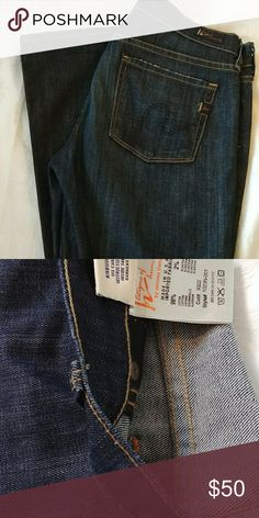 Citizens of Humanity Bootcut Jeans Nice fitting soft, lightweight stretch denim blue jeans. Flattering on the body. Embroidery details the back pockets. Great Condition Citizens of Humanity Jeans Boot Cut